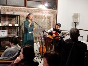 ヨーコさんの歌と武藤さんんのギター